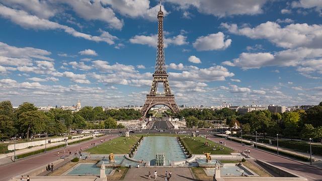 Charles de Gaulle To Paris