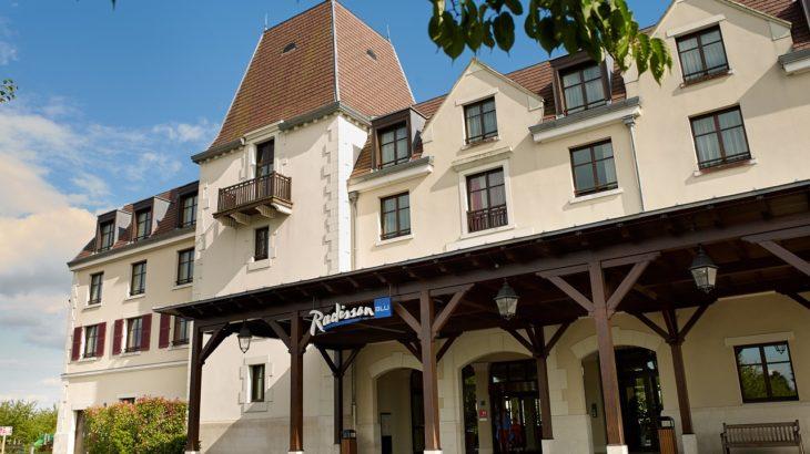 Beauvais Airport to Radisson Blu Hotel