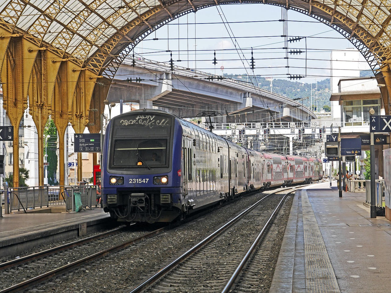 How To Get from Charles de Gaulle to Gare d'Austerlitz